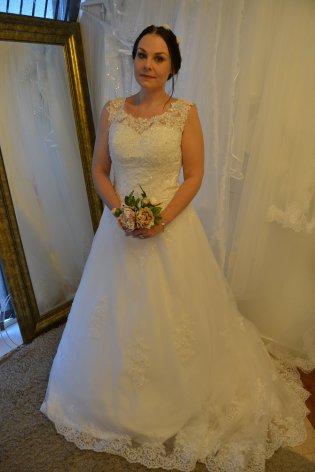 P7 Prinsessklänning med spets och glitter