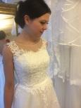 """Vacker spetsklänning med """"spetsblad"""" ringlandes på ryggen 546"""