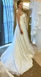 A T5 Brudklänning tub med drapering och vackra paljetter