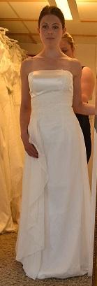 A Brudklänning W1 med korsett satin, chiffong och pärlor