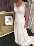 626 Vacker spetstopp med enkel chiffong kjol