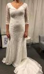 18a Vacker spetsklänning med ärm