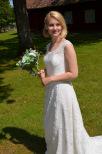 Bohemisk brudklänning med mjuk blommig spets