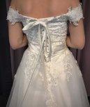 Prinsessklänning med offsholuder