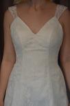 Brudklänning i spets med fantastisk passform, V ringad