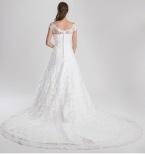 920 Brudklänning med båtlinjeform fram och bak
