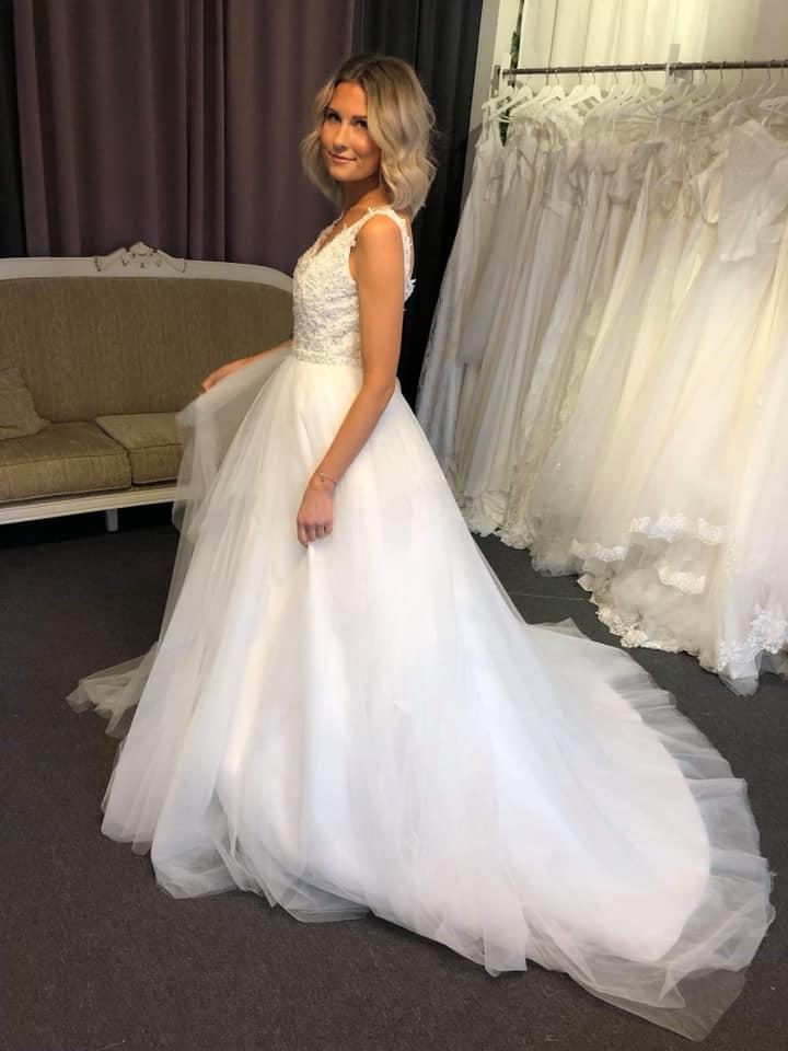 61f868464bfc Bröllopsbutik i Älvängen nära Göteborg - Din Drömklänning